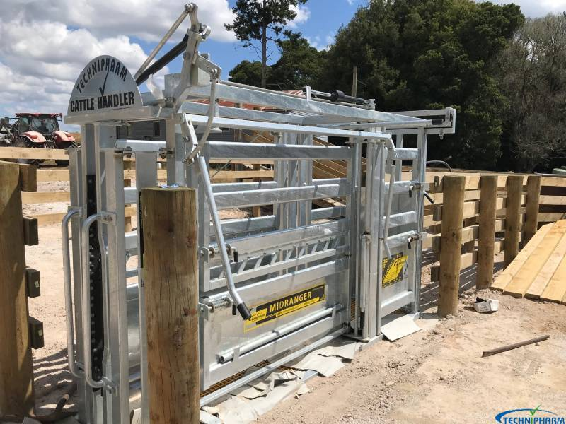 Midranger cattle handler for superior handling (install to be completed)
