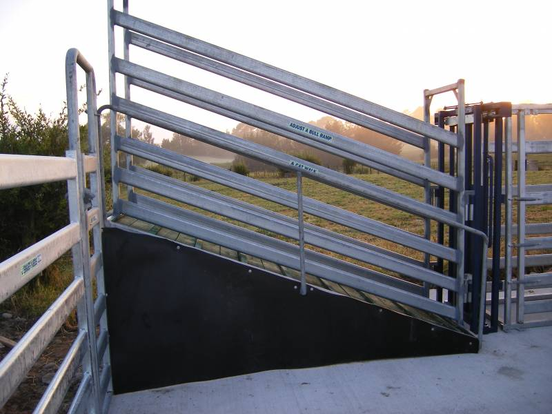 Loading ramp closed in for extra space draft pen